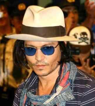 johnny-depp-chapeau. Publicado 15 de junho de 2012 às 324 × 362 em O  ATEMPORAL CHAPEU PANAMÁ a7db6682f2e