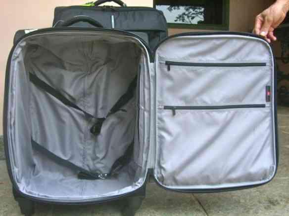 Levo uma segunda mala menor com sapato, bolsa, necessaire, etc...