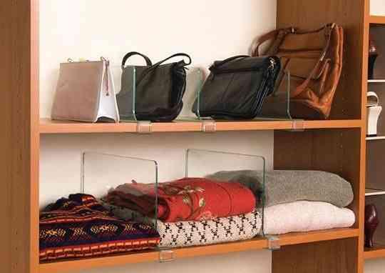 Para bolsas: divisorias móveis de acrílico!