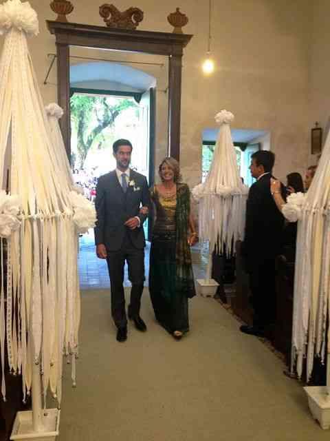 João Felipe de Orleans e Bragança, com a divina mãe Stella Luterrbach Leão, rumo ao altar!