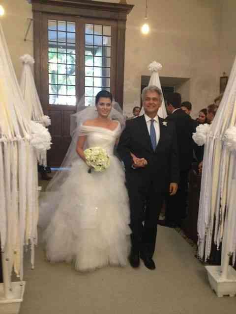 O deslumbre da noiva nuvem Yasmine com o super pai Pedro Paranaguá!