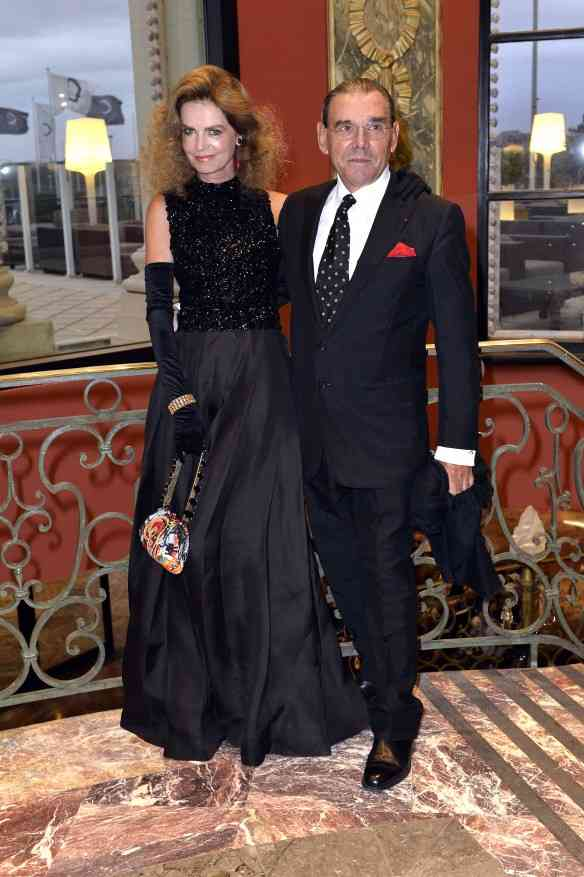 Cyrielle Clair vestindo Dior e Michel Corbier