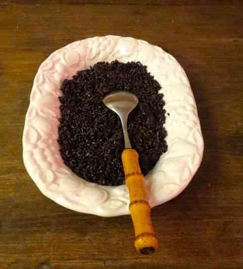 Servi num jantar cotidiano aqui de casa, com arroz negro, saudável e pouco calórico!