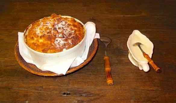 Dupla divina: suflê de goiabada com calda de queijo cottage, dos deuses!