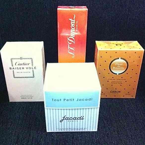 Vejam um pouquinho dos muitos perfumes maravilhosos que encontramos por lá!