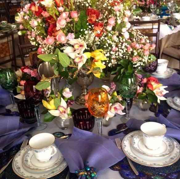 Mesa super colorida, maior visual, de Rosalia Nazareth!