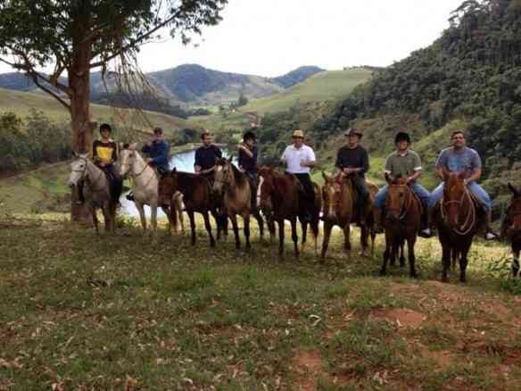 A cavalgada de Cristina e sua linda família: Tem programa mais encantador?!