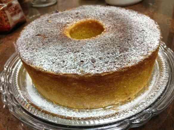 Fiquei siderada pela foto deste bolo divino que de tão real, imaginei seu cheirinho..