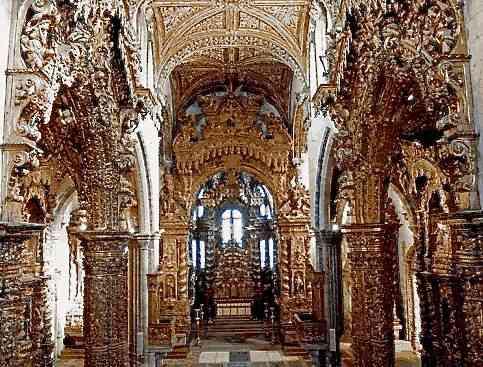 Interior da Igreja de São Francisco e suas talhas douradas!