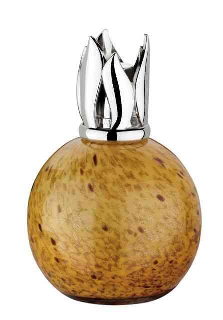 Termino com um clássico: lamparina Lampe Berger, perfumando o mundo desde os anos 30… Podre de chic!