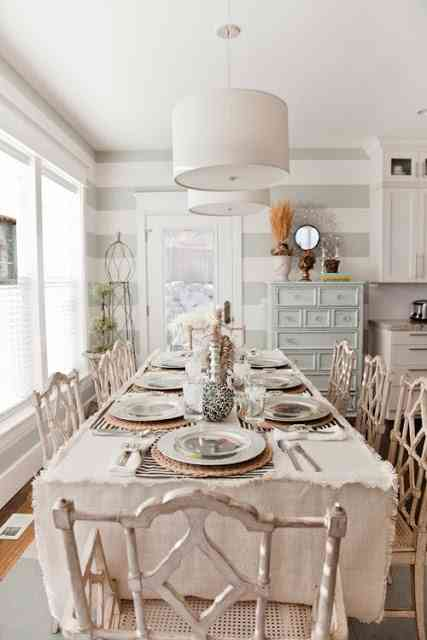 Thanksgiving-table-arrangement-1