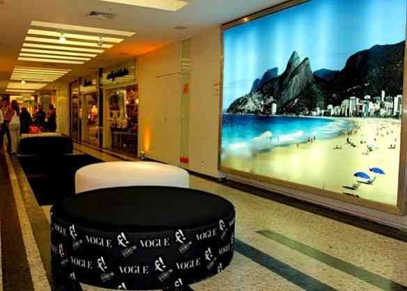 O Forum de Ipanema, templo do consumo dos cariocas descolados e a divina revista Vogue: parceiros em celebrar o Rio!