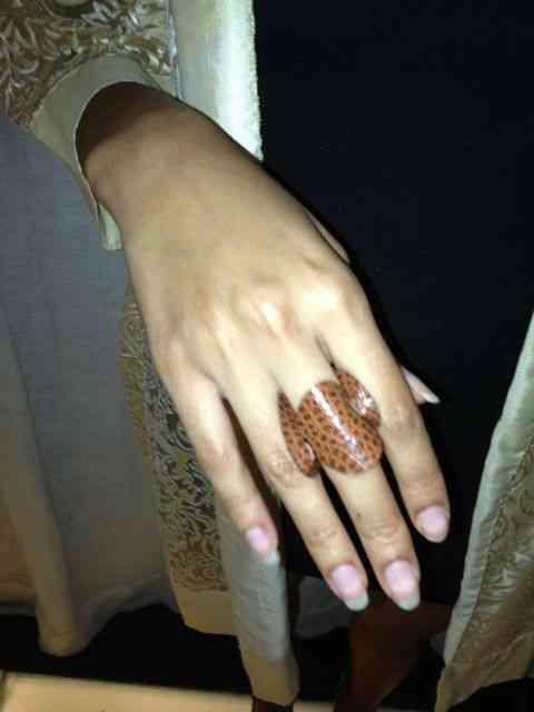 """Noves fora o anel: Igualmente deslumbrante e também feito pela """"Exímia Design"""", marca da Gabi!"""