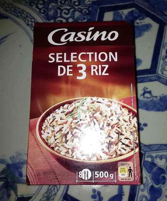 Este mix de 3 tipis de arroz, de grão longo, selvagem e vermelho também fica divino neste suflê. Da marca Casino, encontramos no supermercado Pão de Açúcar!