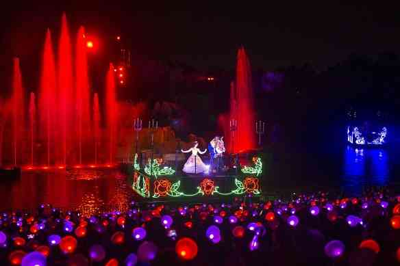New Interactive Glow With the Show Mickey Ear Hats Debut at Walt Disney World Resort