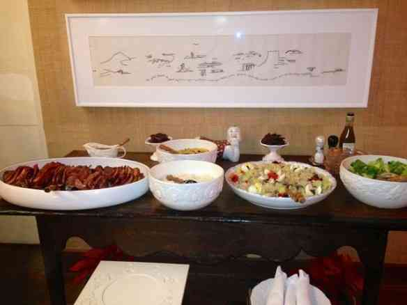 """Menu """"salgado"""": Salada de bacalhau, tender divino que já vem semi pronto da Delly Gil acompanhado de mini peras no vinho, cuscus marroquino arroz e salada verde!"""