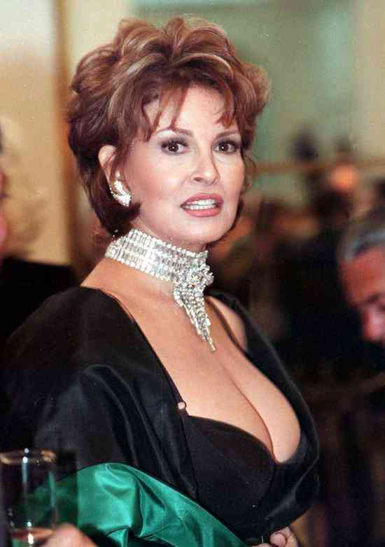 Raquel-Welch-Life-Archives-raquel-welch-20341791-1172-1666
