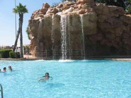 altra-piscina-del-resort
