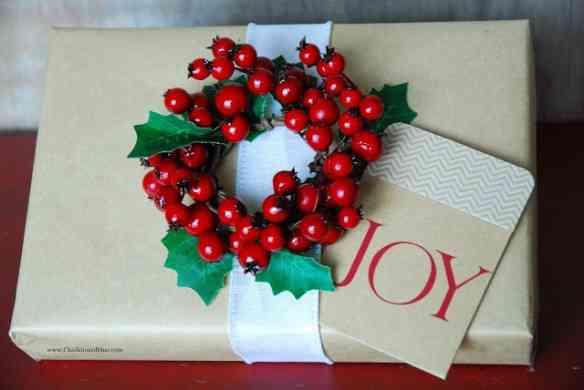 berry wreathjoy