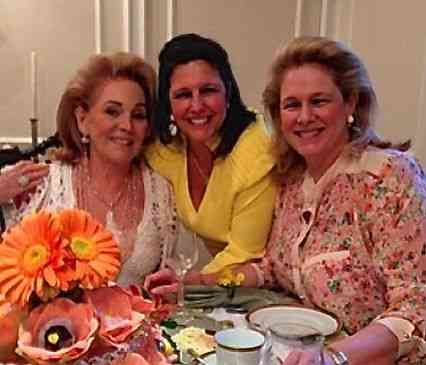 As irmãs abençoadas, Clara Magalhães e Glória Severiano Ribeiro, lindas com a aniversariante queridíssima Idinha Seabra Veiga!