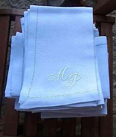 Quis bordar MP nos guardanapos de um jantar, para marcar os lugares das mulheres...
