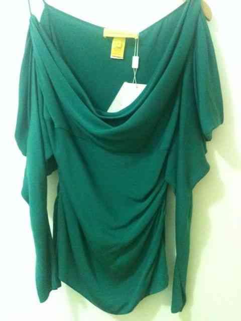 Esta blusa linda de Catherine Malandrino cai bem em várias horas do dia!