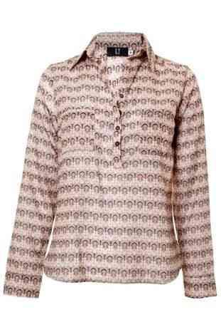 Olha esta blusa preconizando a próxima estação!