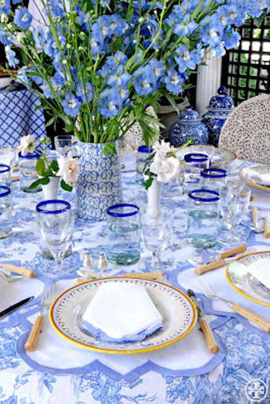 blue-white-mothers-day-tory
