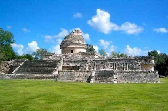 """Eis o 'El Caracol"""", o impressionante observatório astronômico maia que ajudou-os a prever as fases da lua, os equinócios, as eclipses do sol e lua, etc."""