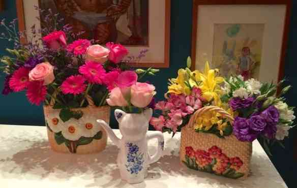 Detalhe da linda coleção de jarros de Marianna!