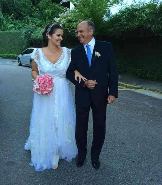 Joana linda, rumo ao altar com seu pai Alexandre Dale
