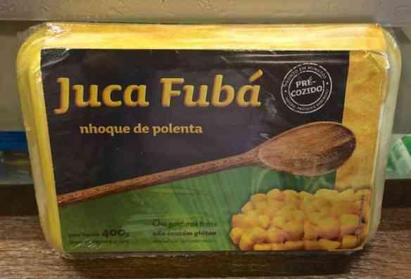 Sua carne assada vai passar da turista pra primeira se acompanhada deste nhoque de fubá: Tuuuuddooo de mara!