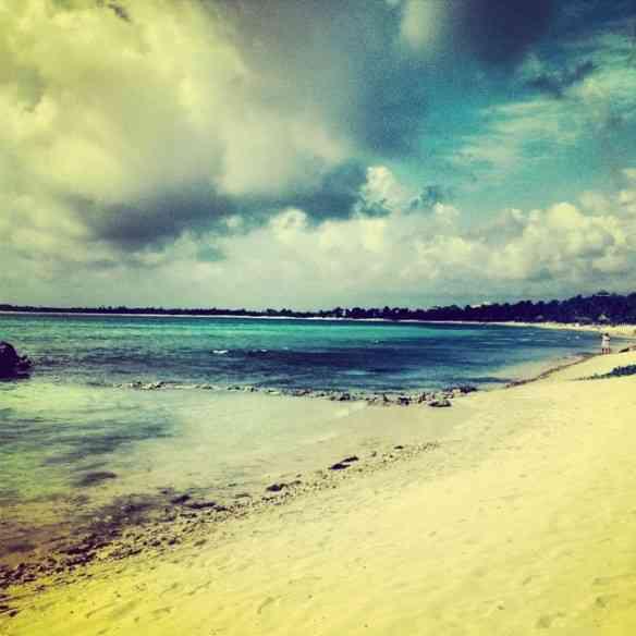 Visual da praia de nosso hotel na deslumbrante e rúsrica Tulum: A riviera Maia é deslumbrante!