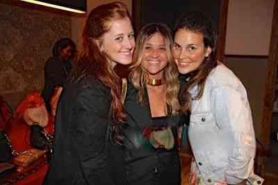 Cecília Geyer e Maria TM com a noiva mais encantadora, Alexia Mayer