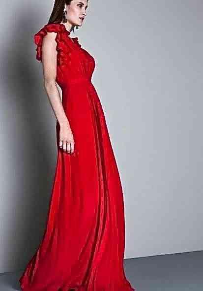 Por falar em madrinha, este vestido chiquérrimo brilhará em qualquer altar!