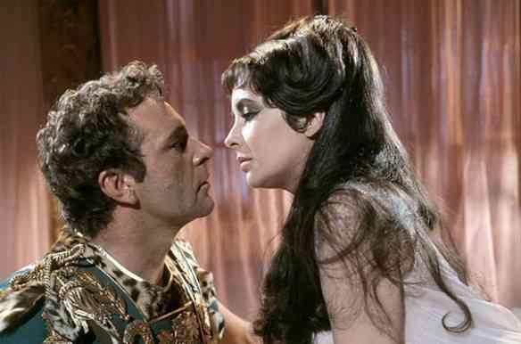 Richard Burton e Liz no filme Cleôpatra
