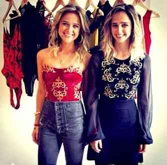 Maria e Isabel Teixeira de mello, estilistas da TM, lançaram o site da marca semana passada: Amei! Pena que sou suspeita...