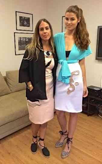 Julia Mutti e Raquel Alvarez mostrando que roupa e arte se comunicam...