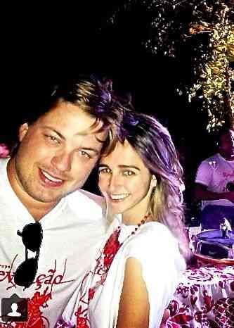 Meu muso Miguel Abtibol, sócio do Escobar, com Isabel TM: No seu reduto, a vida é mais que bela!