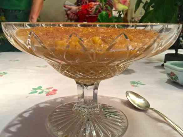 """Eis a """"Sopa de ouro"""" que é chic e deliciosa: Tenho um fraco por doce de ovos!"""