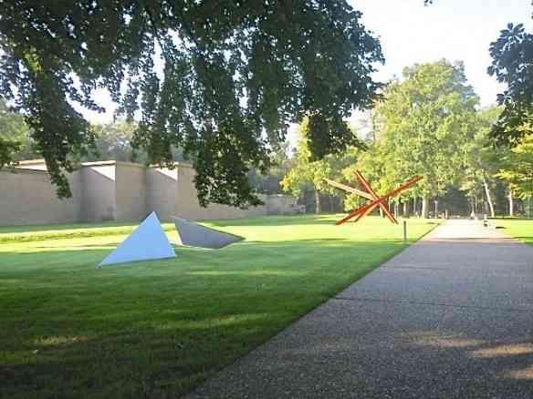 Vejam a beleza do jardim de esculturas do museu Kröeller Müller, dica da antenadérrima amiga Dea Backheuser!