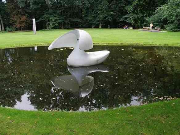 """""""Flotante""""é a linda escultura de marta Pan: Me lembrou uma sereia!"""