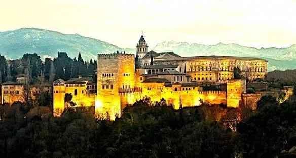 Sua majestade o Palácio do Alhambra ao cair do sol: Uma das maravilhas deste mundo!