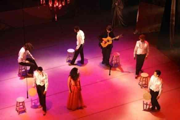"""Cena do maravilhoso musical pernambucano """"O Nosso Villa"""", que me lembrou um """"tablado"""" andaluz!"""
