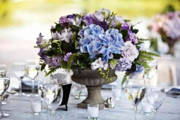 Blue-Hydrangea-Wedding-Centerpiece-600x400