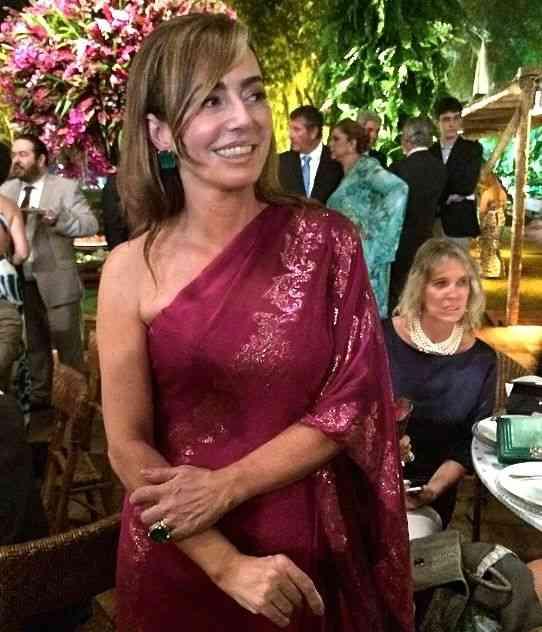 A mãe da noiva Paula Barcellos, linda linda, vestia Demi Queiroz!