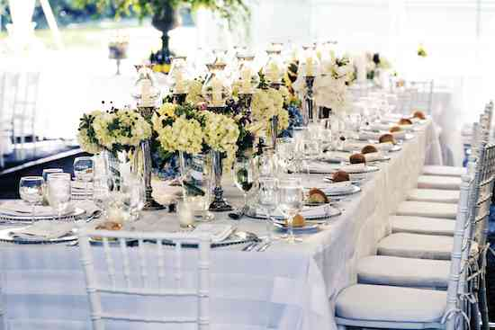 classic-outdoor-weddings-blue-and-white-centerpieces-hydrangea-summer-tented-weddings