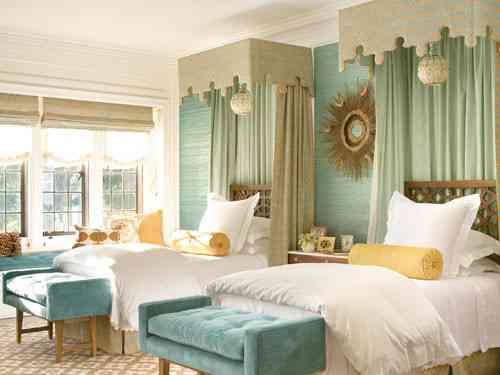 twin-beds-veranda