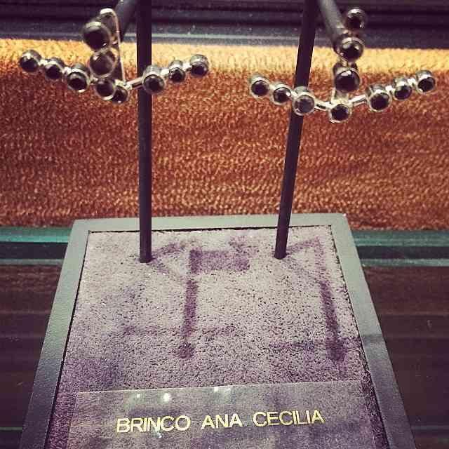 Coleção 40 Forever, by Atelier Schiper: Este é o lindo brinco Ana Cecília! Amamos! ??