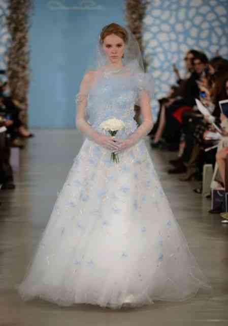 Esta noiva parece uma nuvem, literalmente, e é atemporal...